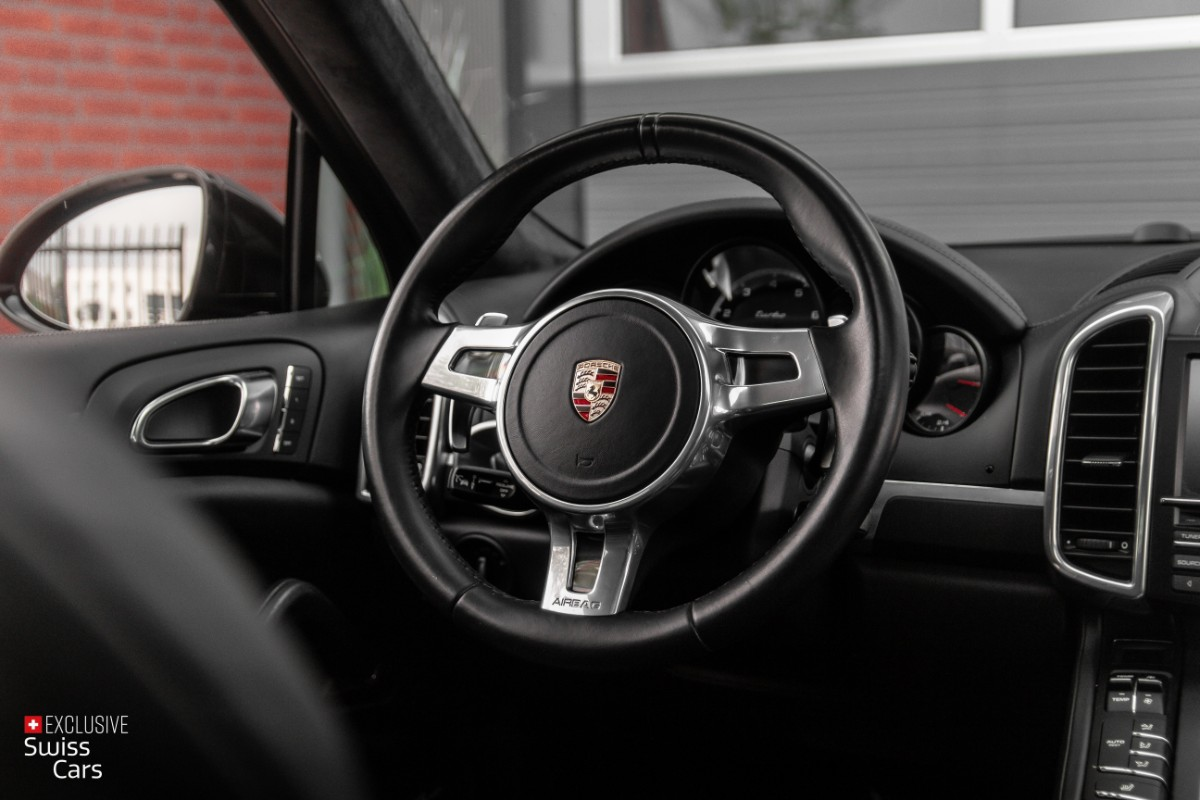 ORshoots - Exclusive Swiss Cars - Porsche Cayenne Turbo - Met WM (43)