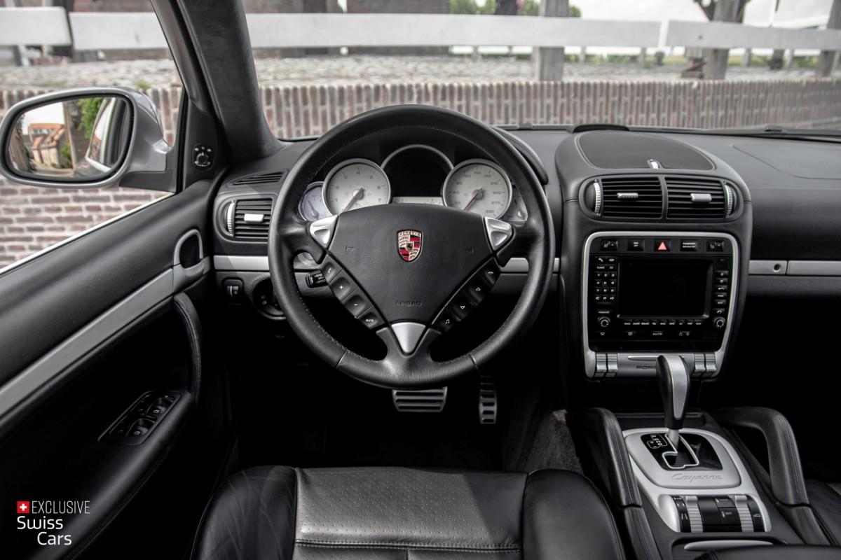 ORshoots - Exclusive Swiss Cars - Porsche Cayenne Turbo - Met WM (45)