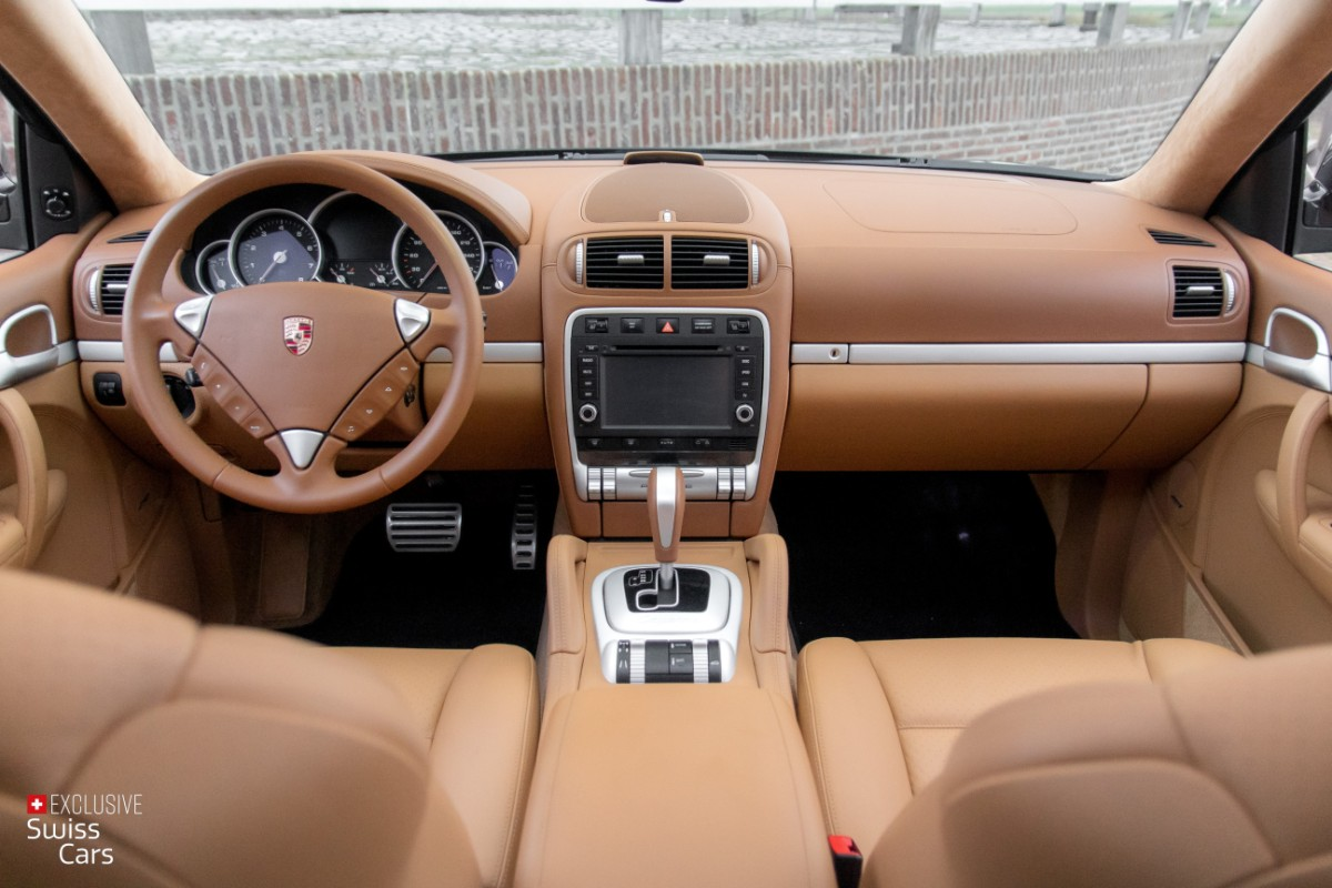 ORshoots - Exclusive Swiss Cars - Porsche Cayenne Turbo - Met WM (30)