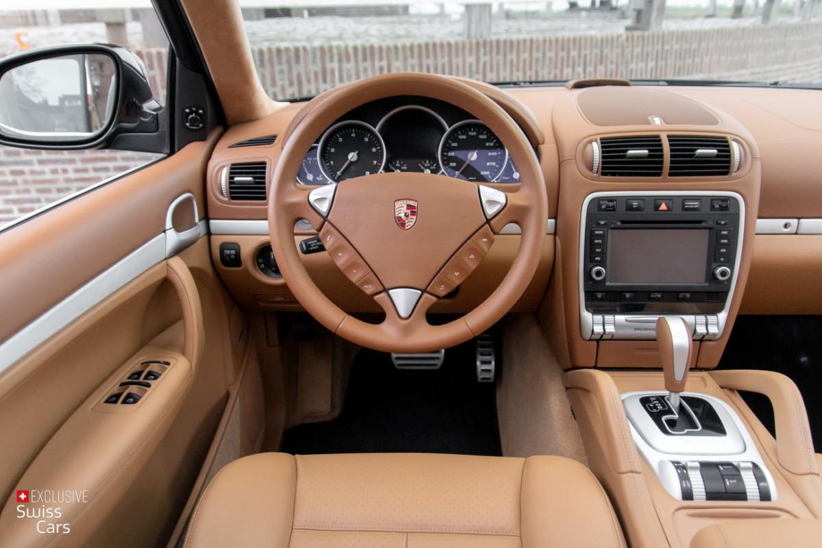 ORshoots - Exclusive Swiss Cars - Porsche Cayenne Turbo - Met WM (33)
