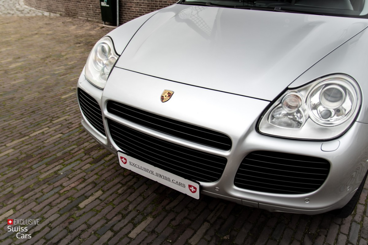 ORshoots - Exclusive Swiss Cars - Porsche Cayenne Turbo - Met WM (5)