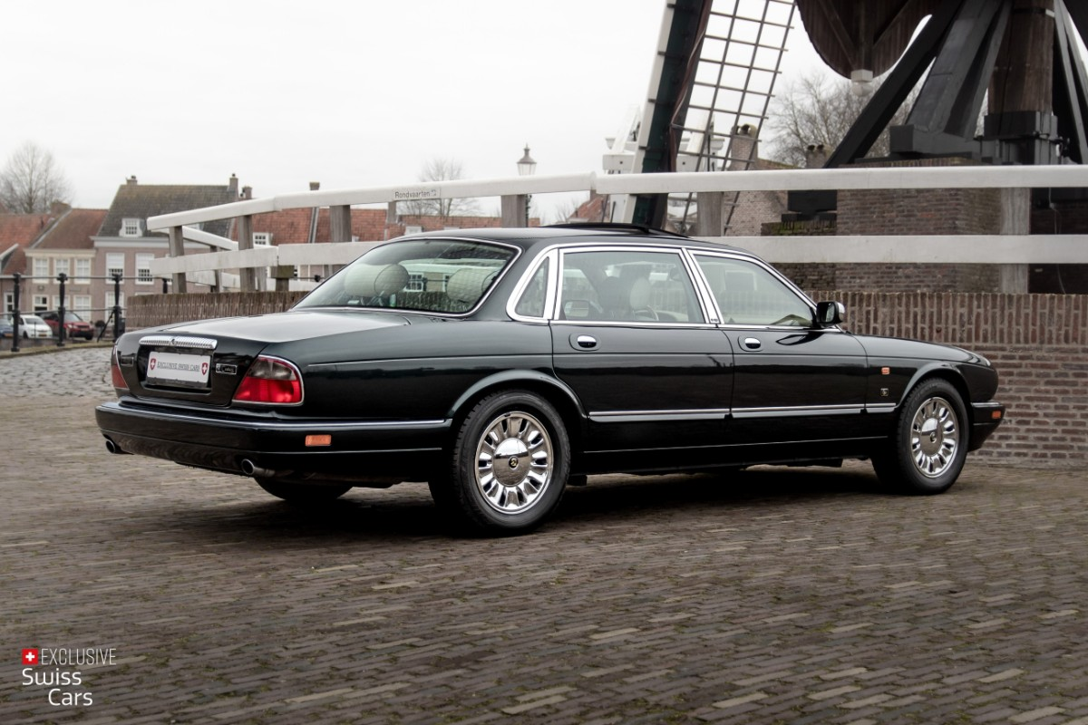 ORshoots - Exclusive Swiss Cars - Jaguar Daimler - Met WM (13)