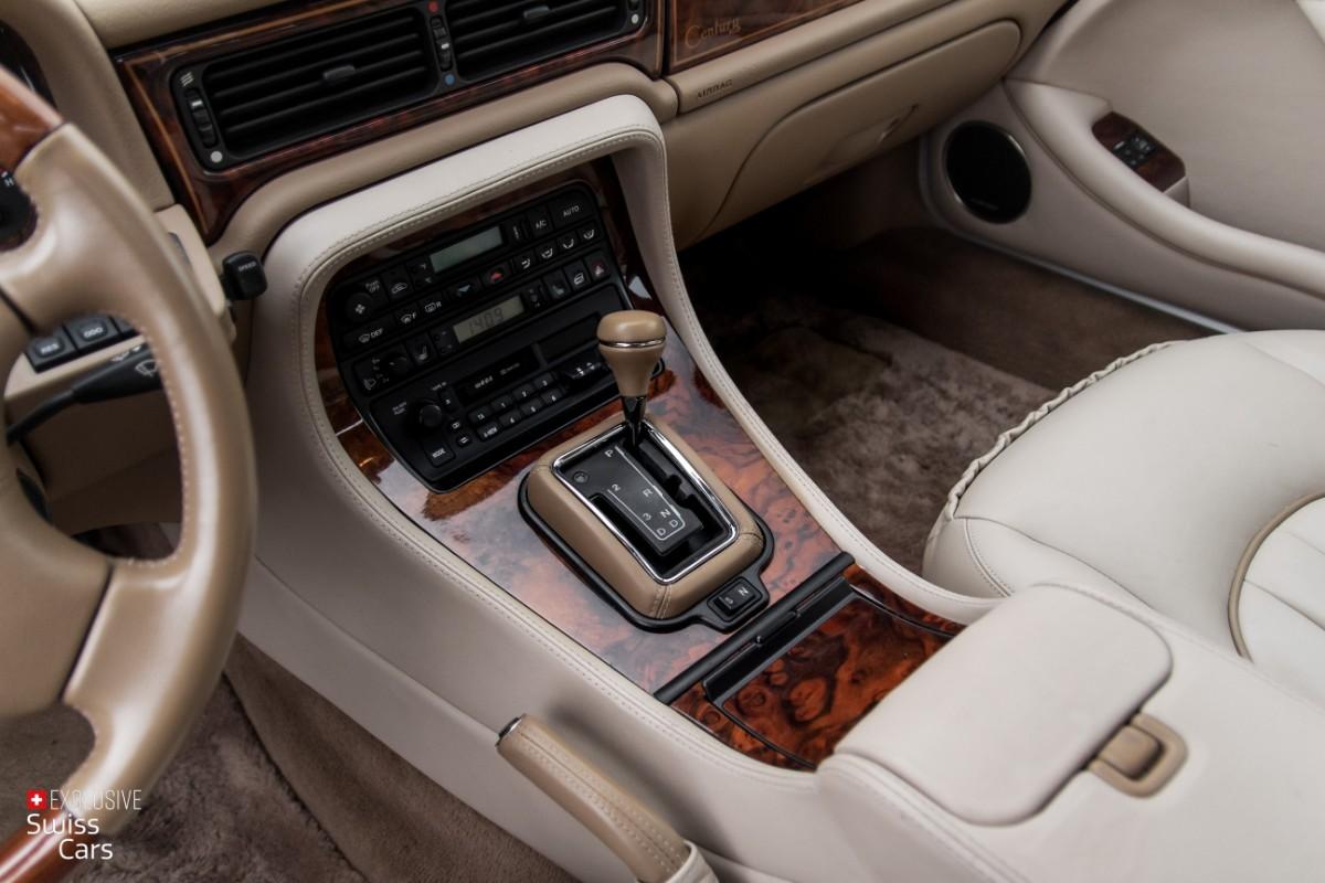 ORshoots - Exclusive Swiss Cars - Jaguar Daimler - Met WM (23)