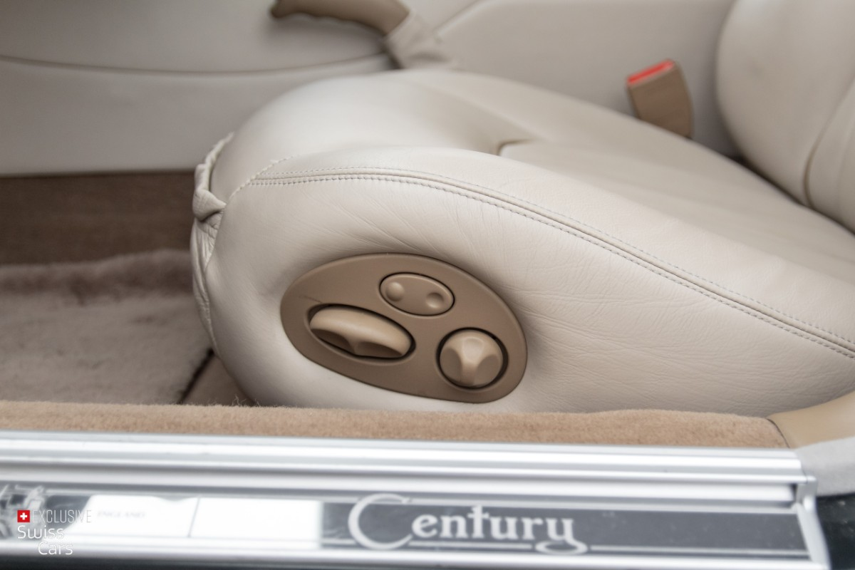 ORshoots - Exclusive Swiss Cars - Jaguar Daimler - Met WM (31)
