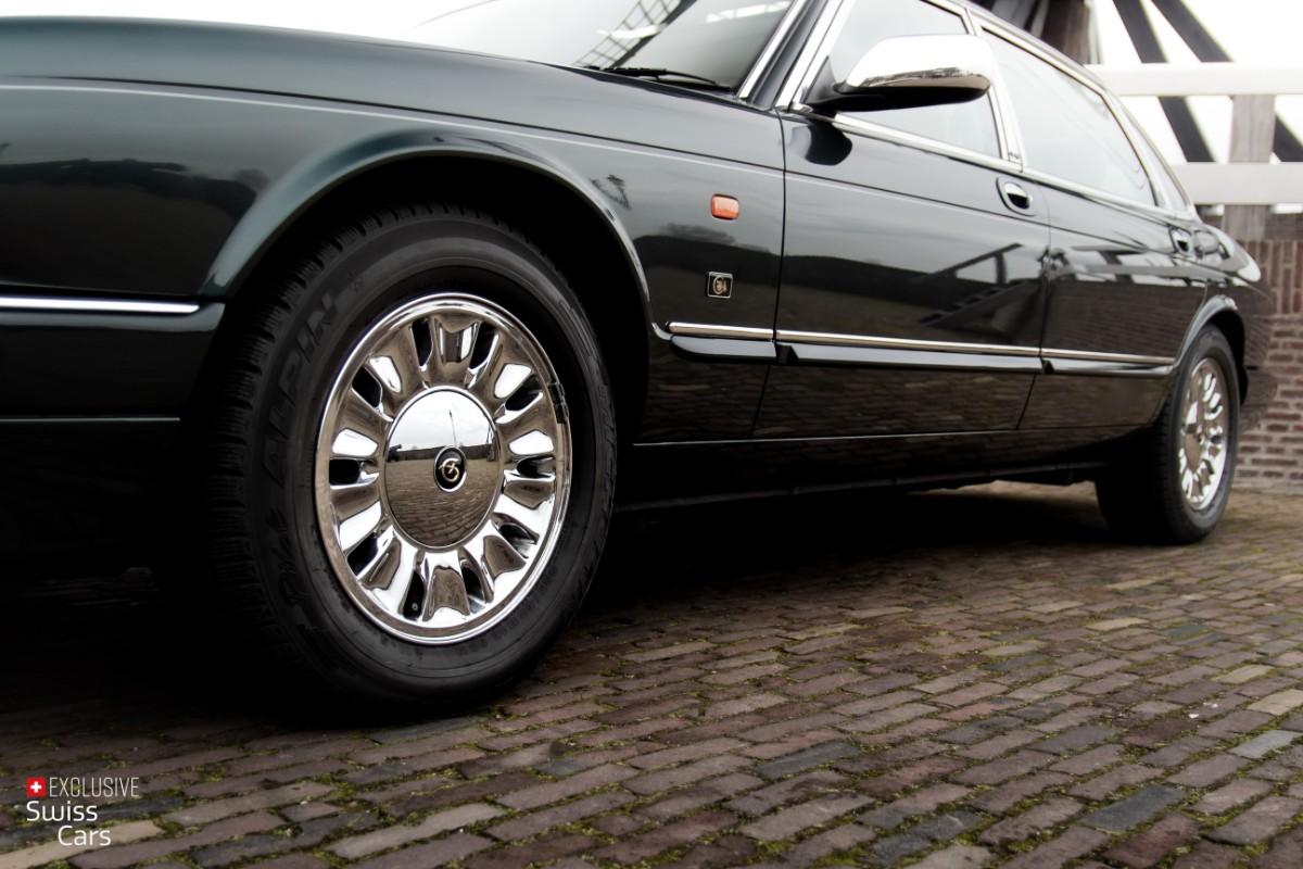 ORshoots - Exclusive Swiss Cars - Jaguar Daimler - Met WM (9)