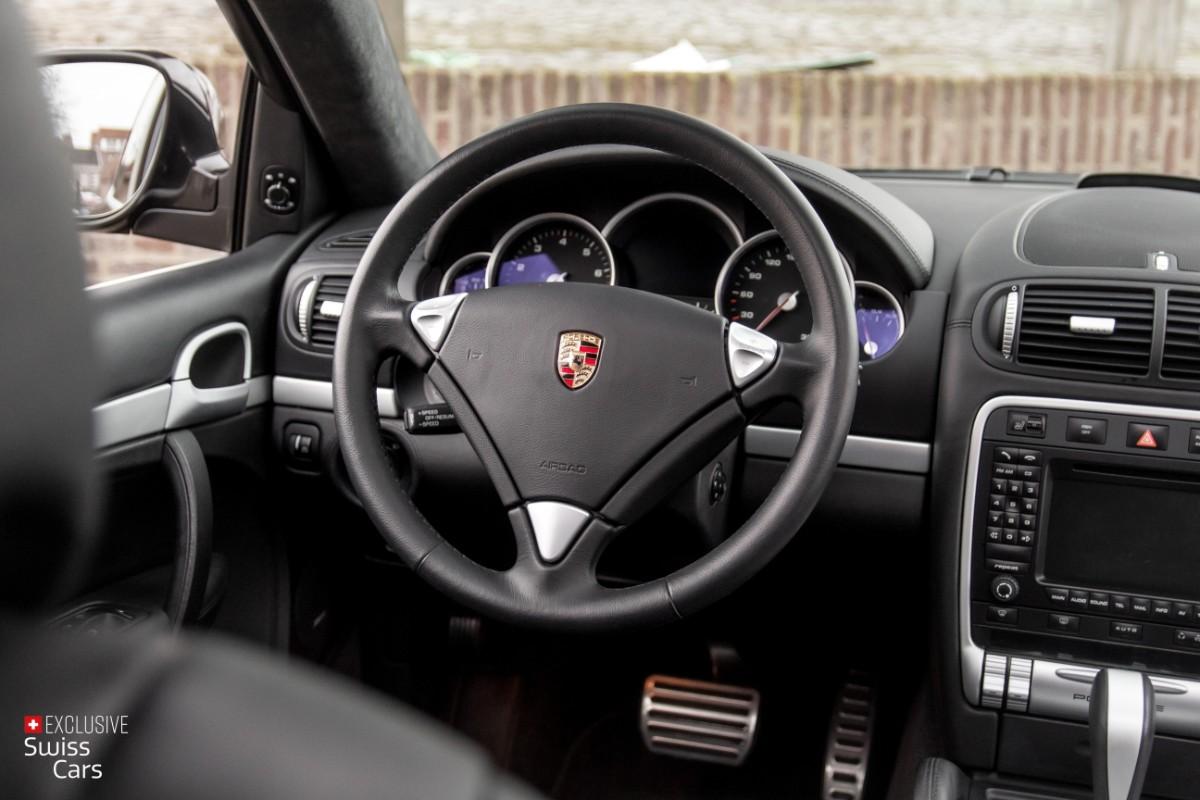 ORshoots - Exclusive Swiss Cars - Porsche Cayenne Turbo - Met WM (37)