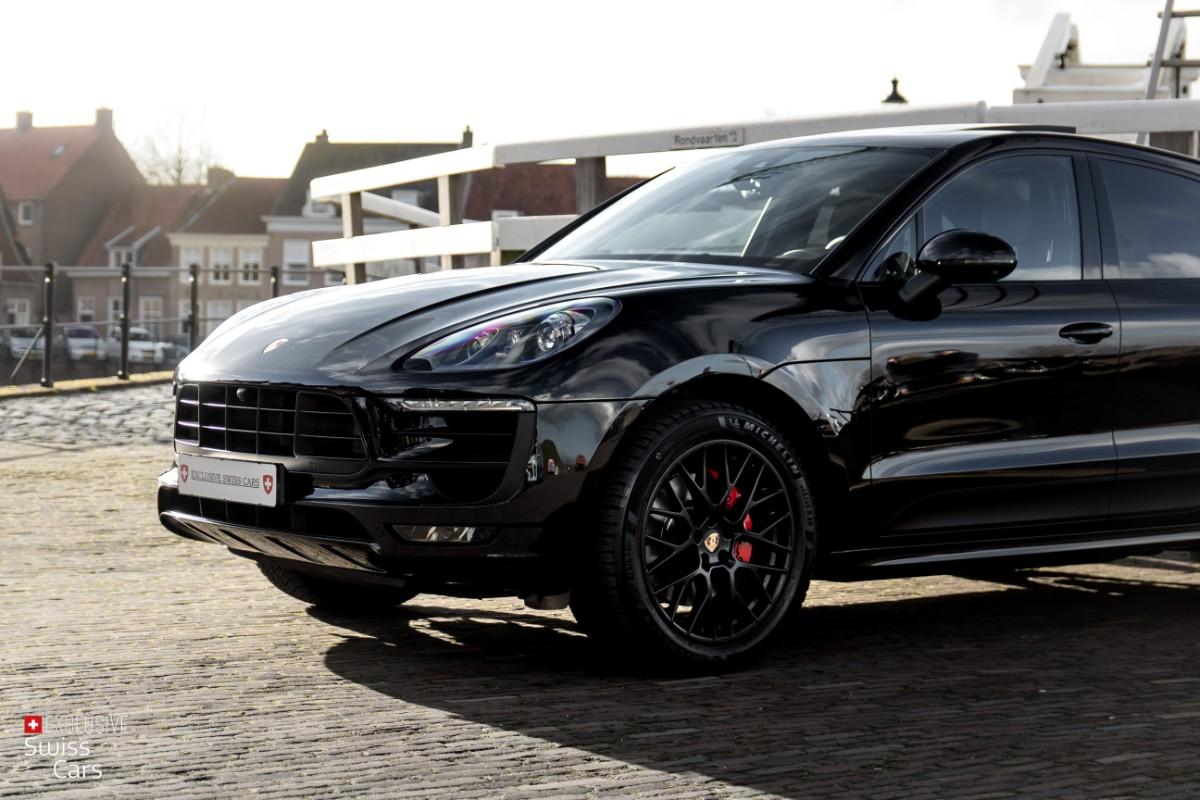 ORshoots - Exclusive Swiss Cars - Porsche Macan GTS - Met WM (2)