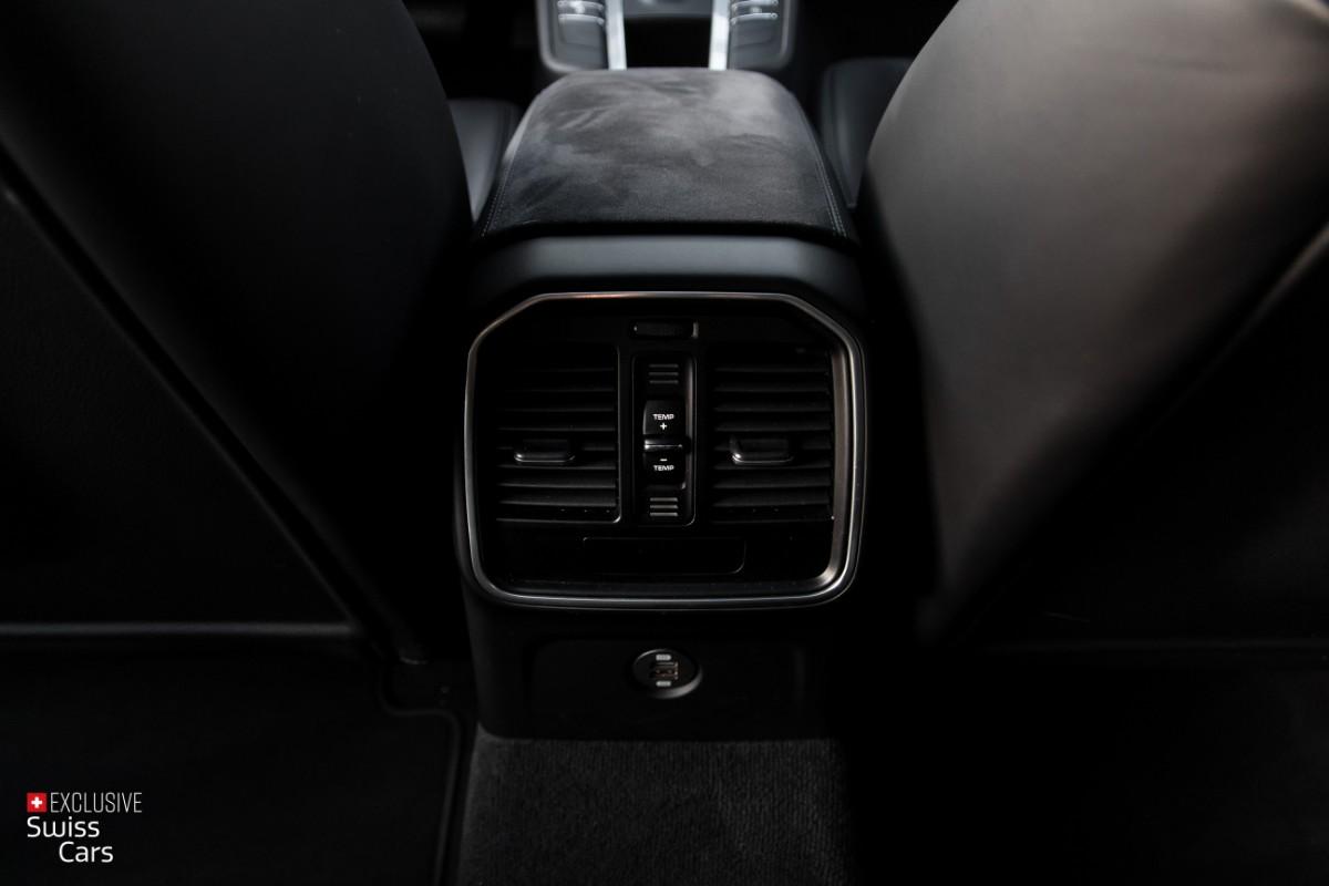 ORshoots - Exclusive Swiss Cars - Porsche Macan GTS - Met WM (28)