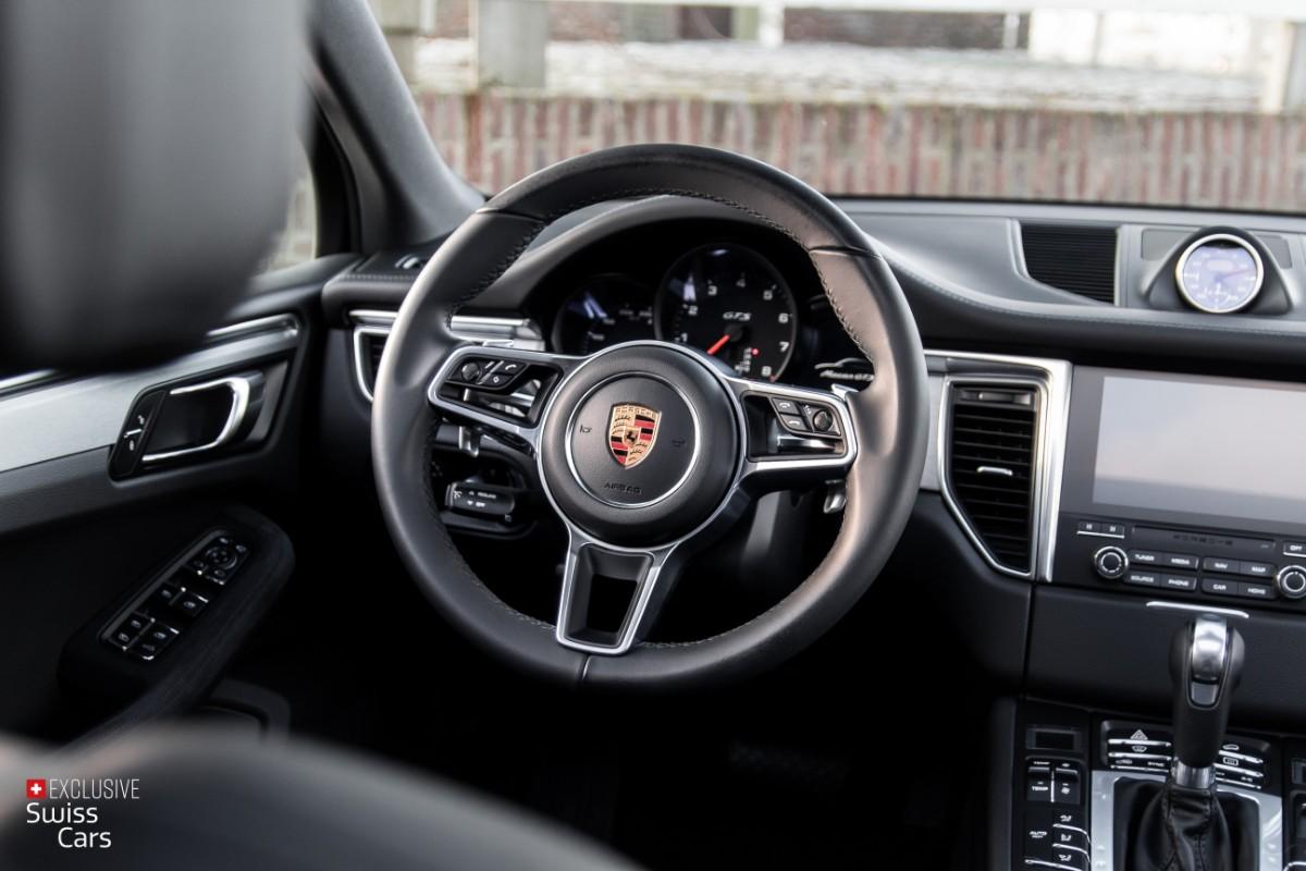 ORshoots - Exclusive Swiss Cars - Porsche Macan GTS - Met WM (36)