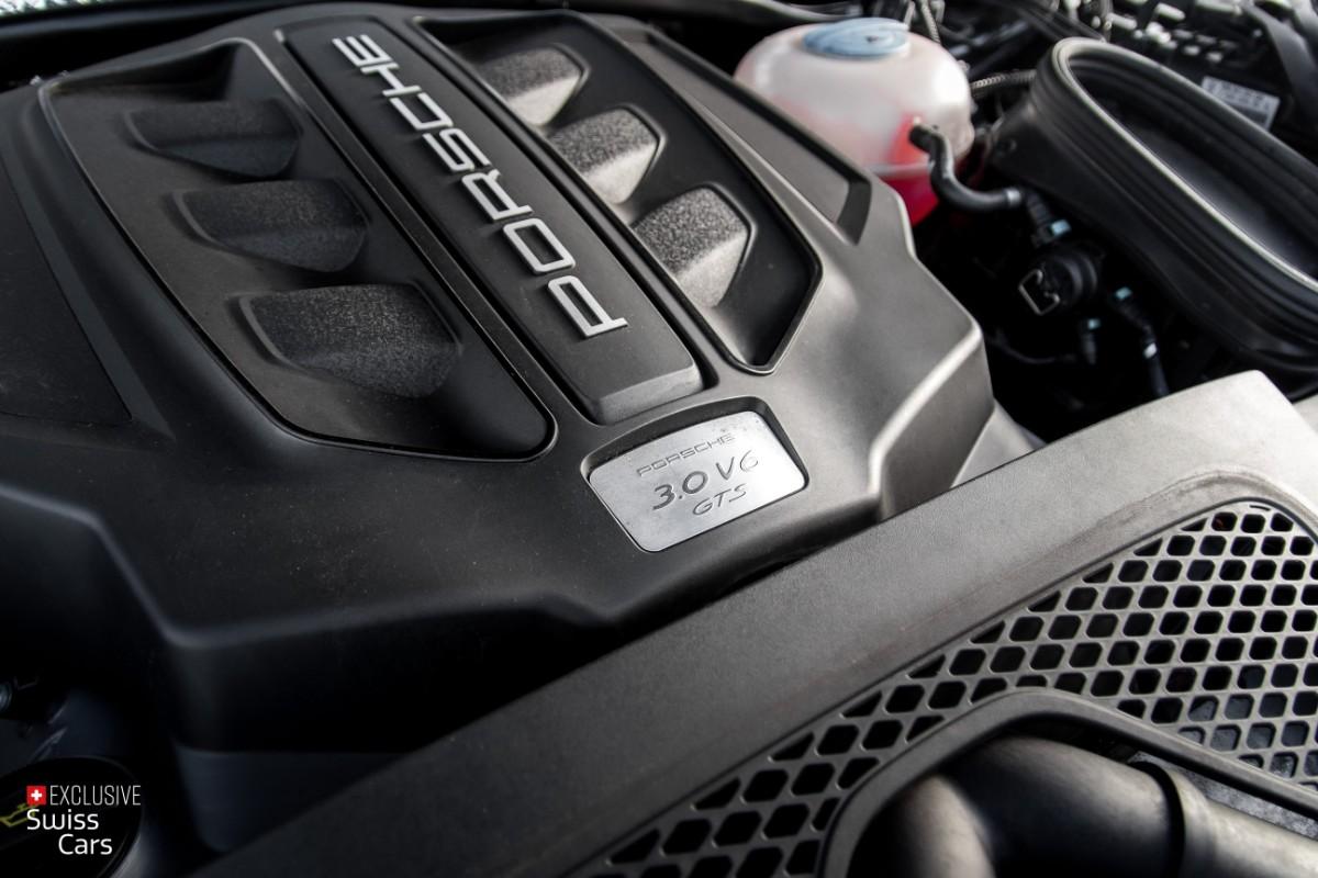 ORshoots - Exclusive Swiss Cars - Porsche Macan GTS - Met WM (40)
