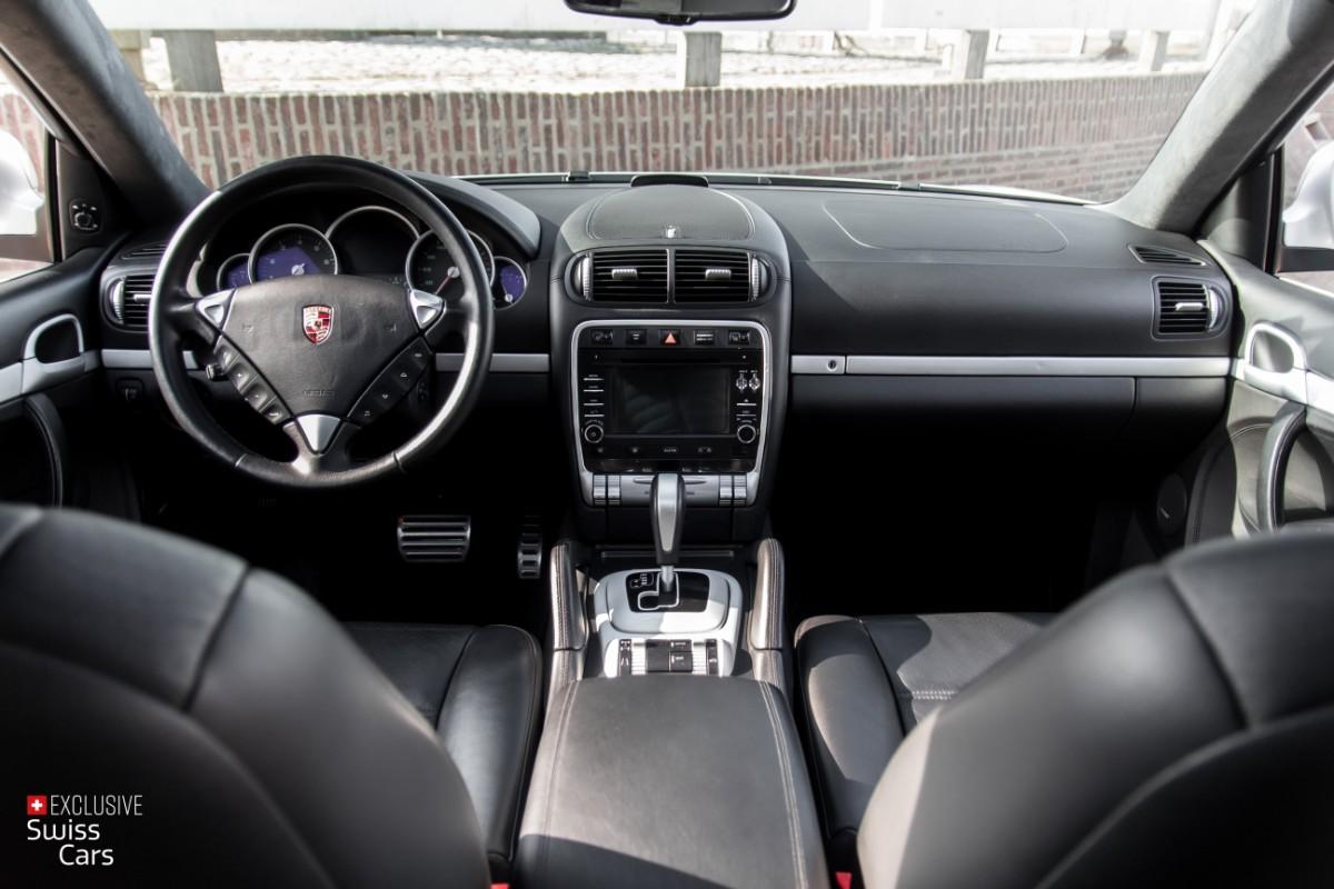 ORshoots - Exclusive Swiss Cars - Porsche Cayenne Turbo - Met WM (39)