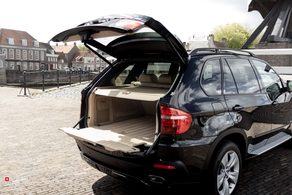 ORshoots - Exclusive Swiss Cars - BMW X5 - Met WM (21)