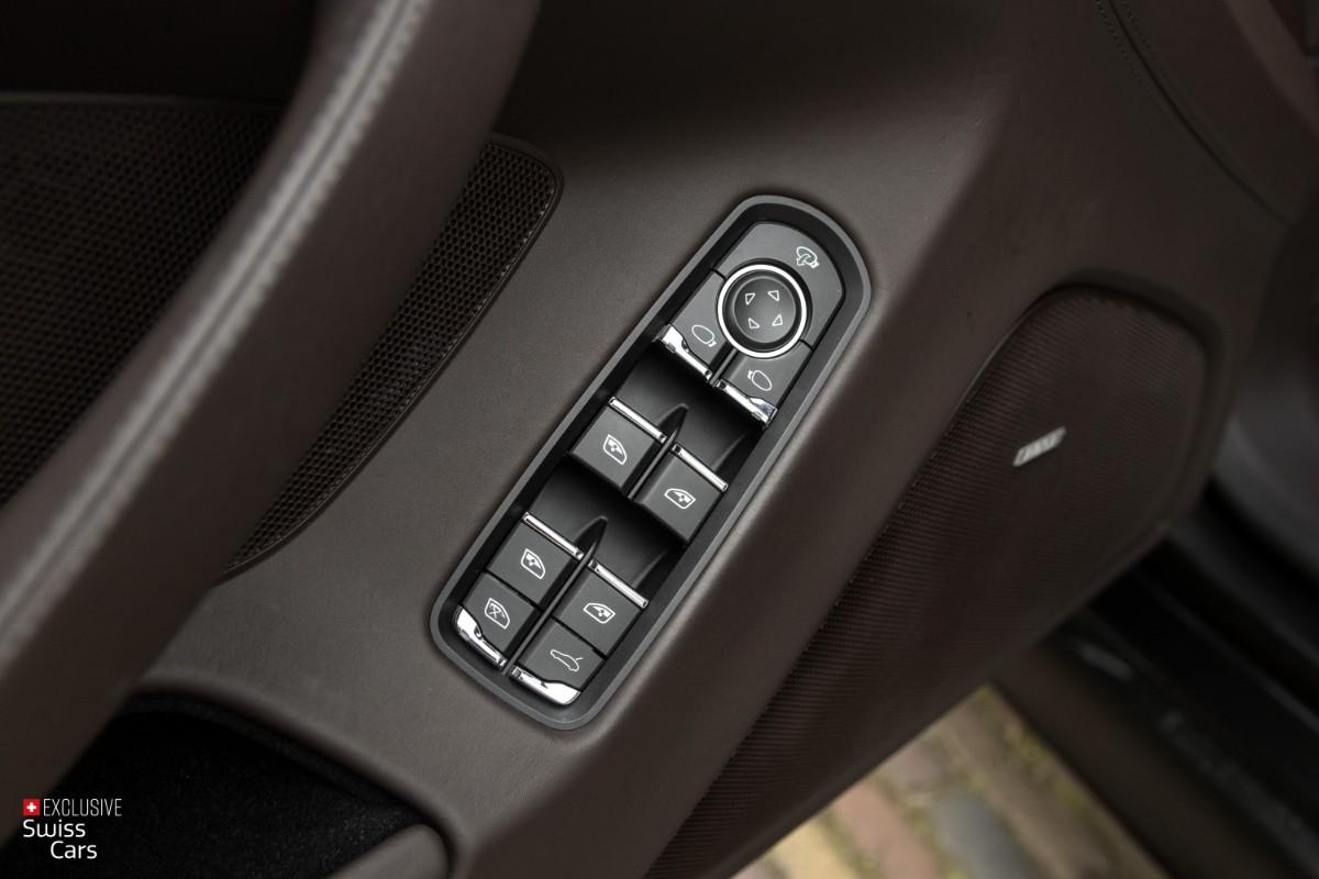 ORshoots - Exclusive Swiss Cars - Porsche Panamera Turbo - Met WM (34)