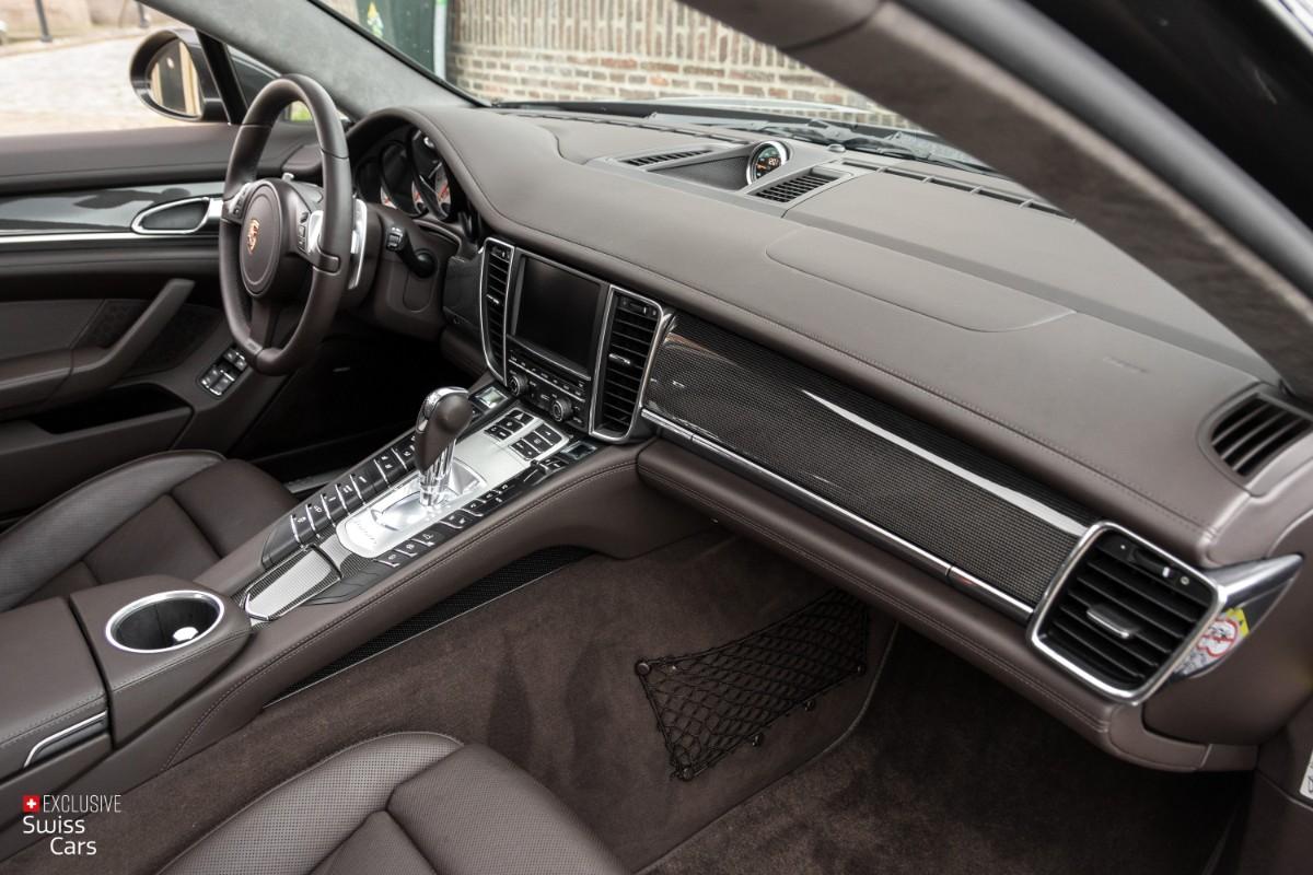 ORshoots - Exclusive Swiss Cars - Porsche Panamera Turbo - Met WM (43)
