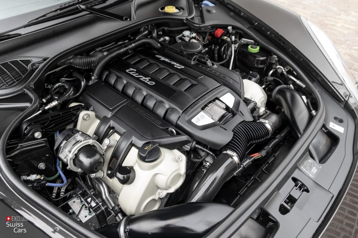 ORshoots - Exclusive Swiss Cars - Porsche Panamera Turbo - Met WM (52)